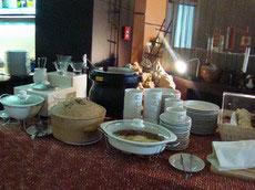 Ресторан отеля Residence предлагает шведский стол