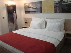 Французская кровать для отдыха на двоих в Черногории