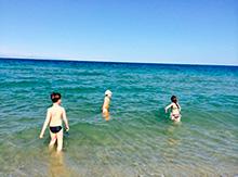 «Море, море, край бездонный…» и наша первая встреча с ним. Что может быть незабываемее первого купания?