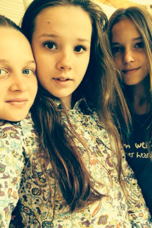 «Лагерь просто прелесть! Дети просто чудо!» - пишет наш аниматор Наталья Тычинская в своем дневнике.