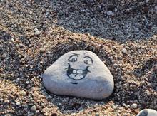 Даже камни в «Фэнтази Лэнд» радуются жизни (Нормандское «наскальное» творчество)