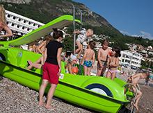 Изучили катамараны («педалины» - по черногорски), увлеченно играли на берегу и купались в море
