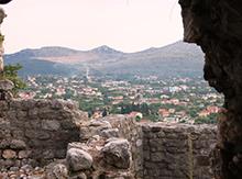 Давным-давно в старом Баре, расположенном у подножия горы Румия в 4 километрах от моря, кипела жизнь. Его хозяева постоянно менялись: в 1443г. Бар стал частью Венецианской республики. В 1571 г. его завоевали турки, а в 1878 г. снова отошел Черногории