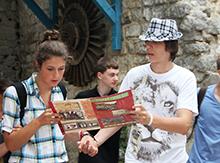 Это историческое место всегда привлекало туристов. Не обошли его внимание и наши ребята из «Only English»