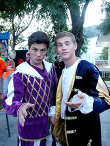 Вот и главные герои грядущего спектакля – Тимофей и Саша и Доброславин – в театре антагонисты, а в жизни приятели