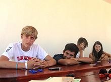 Но такие ребята, как Саша Иванов (ныне Бремен), не отвлекаются, а очень внимательно слушают. Ведь это реально интересно!