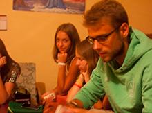 После такого дня не грех расслабиться и научиться играть в покер на одном из излюбленных клубов Фэнтези-лэнд у Андрея – вожатого Нормандии