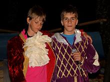 Саша Манохин и Сережа Маштаков, иначе говоря - герцог российский и герцог из Западной Европы приехали на бал в Курляндию