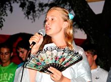 уральские девушки пытаются завоевать  любовь Его Императорского Величества Владимира Романовича оперными ариями