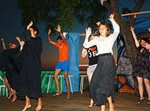 Жители Нового Света празднуют подписание Декларации Независимости