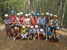 Вот и еще одна группа обитателей «Фэнтези Лэнд» отправилась путешествовать по деревьям )