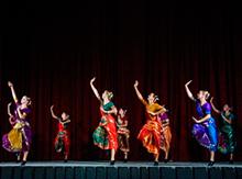 Девушки из студии современного танца «Тип-топ»  из Москвы …
