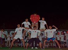 Признаваться в любви к нашему замечательному лагерю!