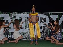Осирис — один из наиболее знаменитых и значимых богов древнего Египта, воплощавший собой плодородие и возрождение, побеждающее смерть.
