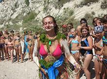 Даже начальник лагеря, как истинная леди, приняла участие в нашем модном показе)