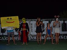 На церемонии были и почетные гости. Например: Губка Боб Квадратные Штаны и Мини-Маус…