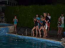 Недавно у нас в Матрице появились новые обитатели – две девочки, которые профессионально занимаются синхронным плаванием.