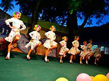 III Международный Фестиваль «Музыка Черных Гор» собрал на сцене множество самых прекрасных жемчужин. Танцевальный коллектив 'Каскад' из московской области, в качестве «визитной карточки» представил номер 'Барбариски'